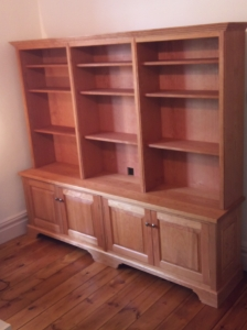 Free standing living room shelving