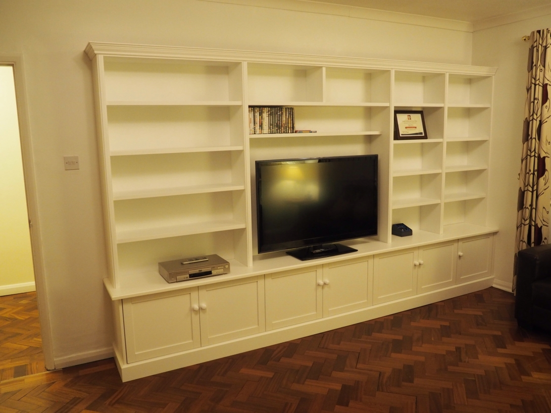Fully fitted media unit with cable management